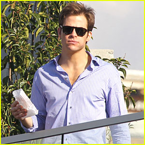 Chris Pine Takes a Balcony Break