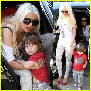 Christina Aguilera: Max is a Lil Stink Bomb!