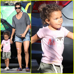 Halle Berry & Nahla Aubry: Grocery Gals!