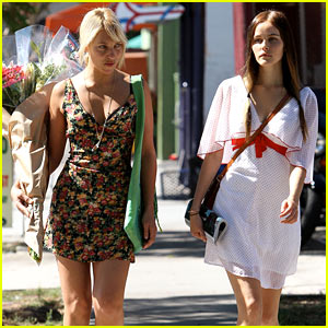 Isabel Lucas is Friends with the Flower Girl