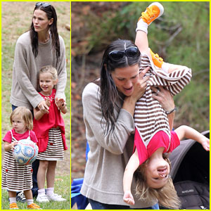 Jennifer Garner: Upside Down Seraphina!