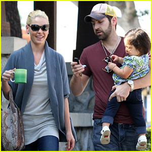 Katherine Heigl Takes Her Coffee To-Go