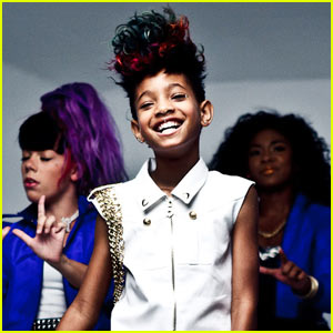 Willow Smith: 'Whip My Hair' Video Prem