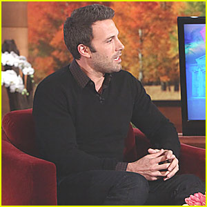 Ben Affleck: Last Minute Christmas Shopping at CVS!