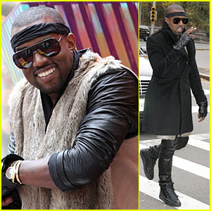 Kanye West Gets 'Lost' During Thanksgiving Day Parade