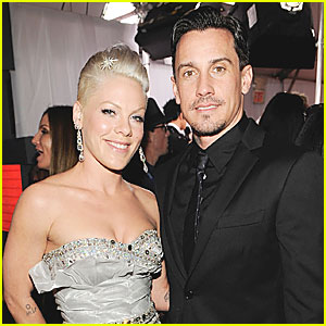 Pink: Expecting A Baby with Carey Hart?