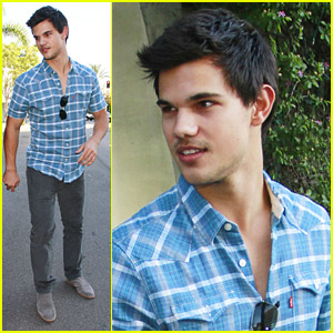 Taylor Lautner & Lily Collins Munch On Lunch