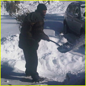 50 Cent Shovels Snow -- For $100!