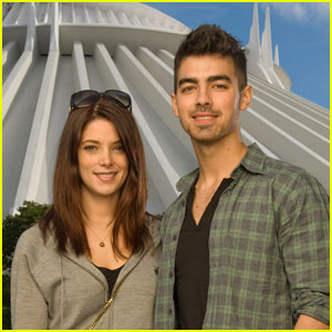Ashley Greene & Joe Jonas: Magic Kingdom Couple!