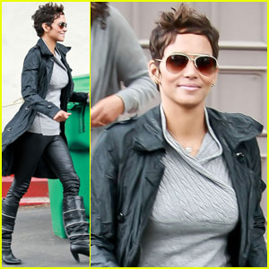 Halle Berry: Leather Pants Perfect