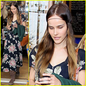 Isabel Lucas Lunches at Little Next Door