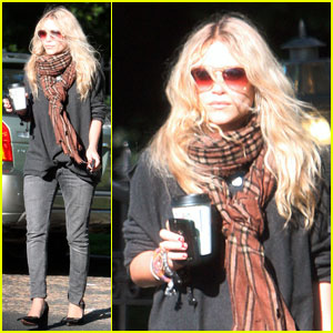 Mary-Kate Olsen: Santa Monica Meeting with a Pal