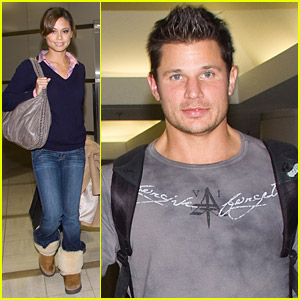 Nick Lachey & Vanessa Minnillo Head Out For The Holidays