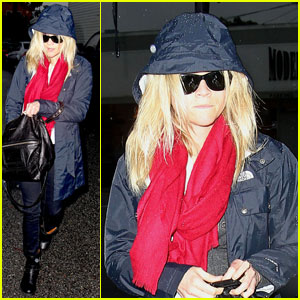 Reese Witherspoon: Rainy Spa Day