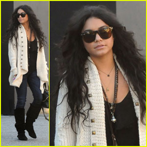 Vanessa Hudgens Heads to Studio Cafe