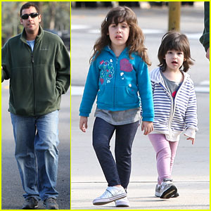 Adam Sandler: Strolling with Sadie &#038; Sunny!