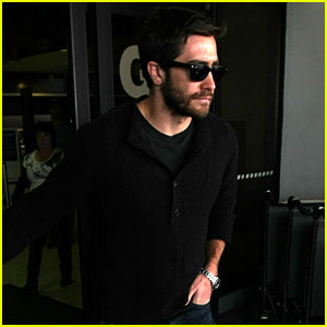 Jake Gyllenhaal: Los Angeles Arrival!