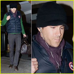 Ryan Reynolds: Beanie Airport Arrival!