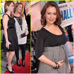 Alyssa Milano: Baby Bump at 'Hall Pass' Premiere!