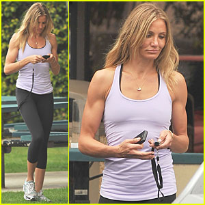 Cameron Diaz Shows Off Amazing Arms