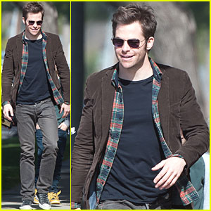 Chris Pine Heads to the Set