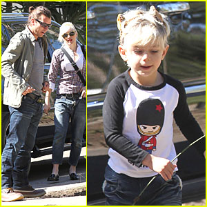 Gwen Stefani: Super Bowl Party with the Boys!