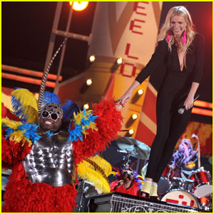 Gwyneth Paltrow: 'Forget You' Grammy Performance with Cee Lo Green!