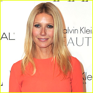 Gwyneth Paltrow Sings 'Landslide' On Glee