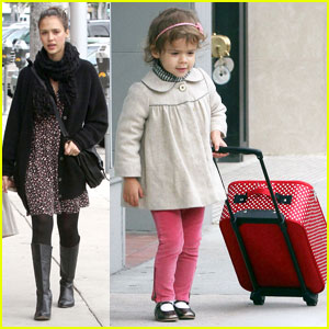 Jessica Alba: Down to Urth with Honor
