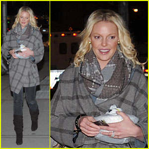 Katherine Heigl: Manicure with My Mom!