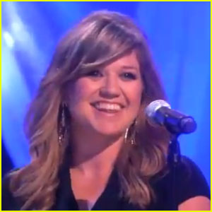 Kelly Clarkson: 'Don't You Want to Stay' on 'Ellen'!