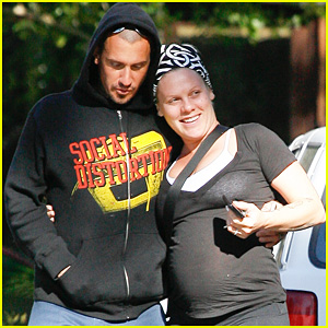 Pink: Baby Bump Stroll with Carey Hart