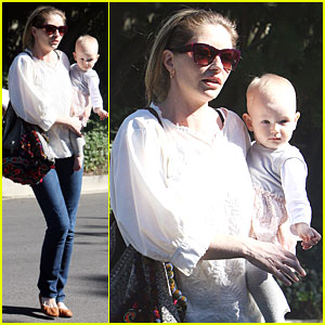 Rebecca Gayheart: Running Errands with Billie!