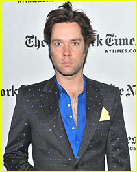 Rufus Wainwright: Proud Dad of Baby Girl!