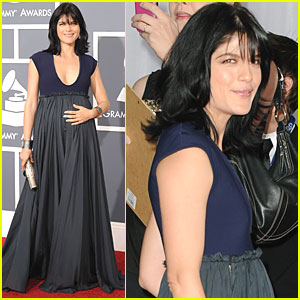 Selma Blair - Grammys 2011 Red Carpet