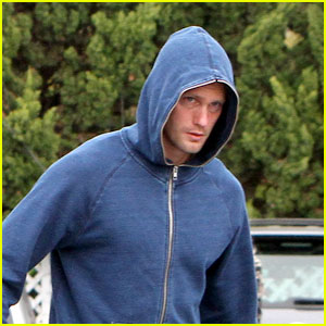 Alexander Skarsgard Hides in His Hoodie