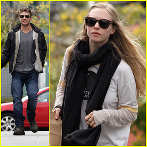 Amanda Seyfried & Ryan Phillippe: Dogwalking Duo