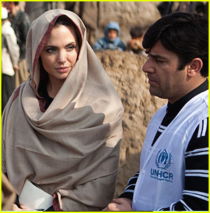 Angelina Jolie: Support Libyan Refugees!