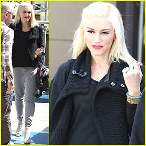 Gwen Stefani: Manicure Mama