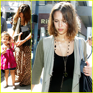 Jessica Alba: Errand Run with Honor!