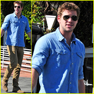 Liam Hemsworth: Fred Segal Shopper!