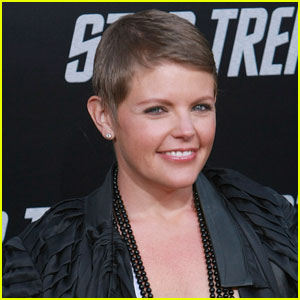 Natalie Maines Covers Beach Boys' 'God Only Knows'