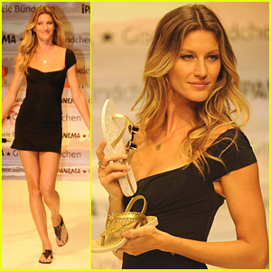Gisele Bundchen: 2011 Ipanema Sandals