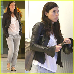 Jessica Biel Flies Out of Florida