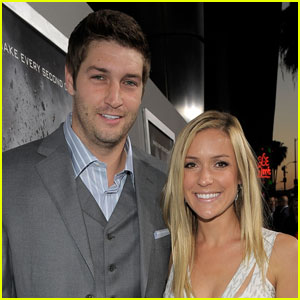 http://cdn03.cdn.justjared.com/wp-content/uploads/headlines/2011/04/kristin-cavallari-jay-cutler-engaged.jpg