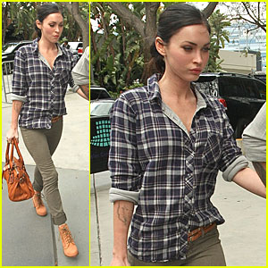 Megan Fox: Let's Go Lakers!