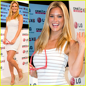 Bar Refaeli: Looking Lovely for LG!