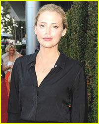 Actress/Model Estella Warren Arrested for Felony Escape
