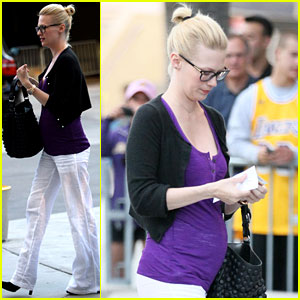 January Jones: Baby Bump at Basketball Game
