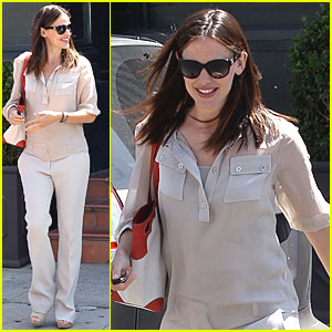 Jennifer Garner: Brentwood Breakfast!